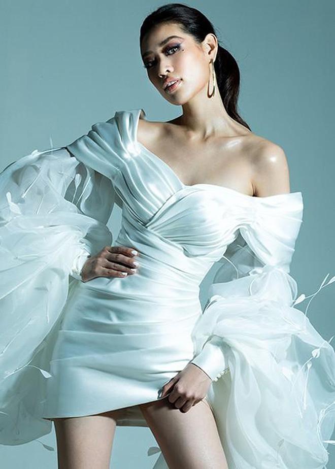 Hoa hậu Khánh Vân khoe ảnh gợi cảm - Ảnh 5.