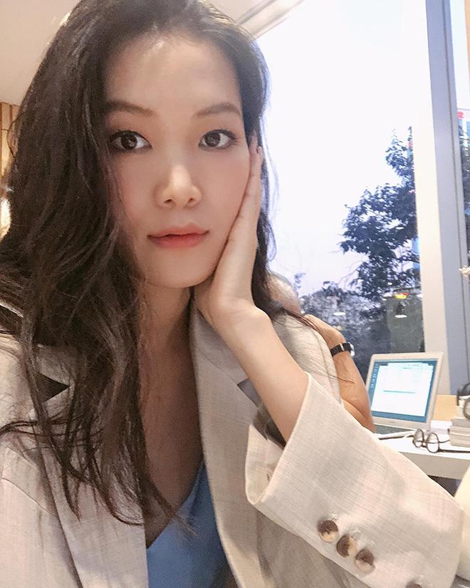 """Hoa hậu chiều cao """"khủng"""" nhưng xui xẻo nhất Việt Nam giờ ra sao? - Ảnh 6."""