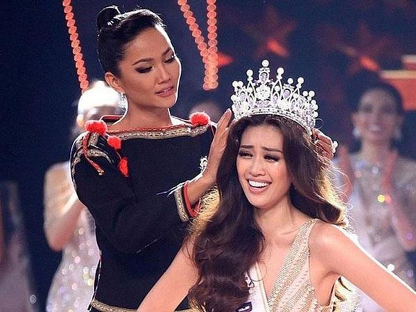 Mai Phương Thúy, Khánh Vân: 2 Hoa hậu bị ăn đòn oan vì mạnh miệng nói về tiền bạc - nhà xe - ảnh 1