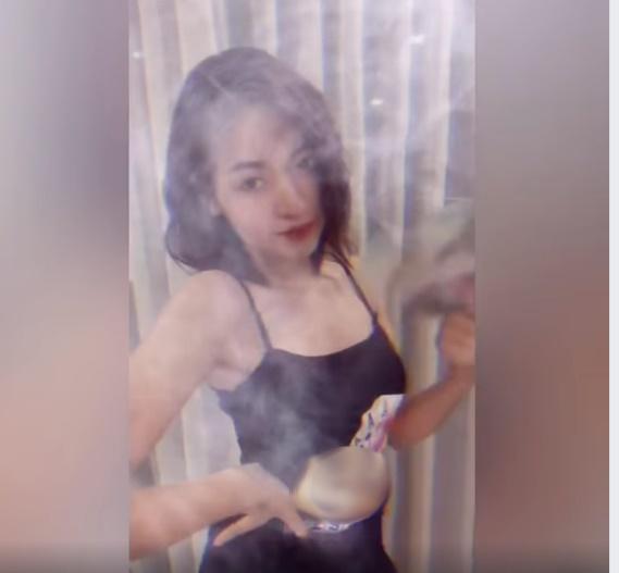 Hot girl trứng rán cần mỡ, bắp cần bơ Thanh Tâm gây tranh cãi vì PR cho game đánh bạc trá hình? - Ảnh 2.