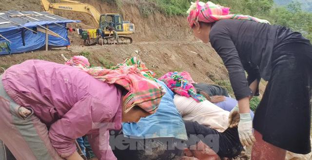 Cận cảnh công trường khai thác vàng trái phép ở 'mỏ tử thần' Minh Lương - Ảnh 11.