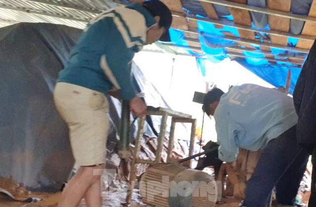 Cận cảnh công trường khai thác vàng trái phép ở 'mỏ tử thần' Minh Lương - Ảnh 12.