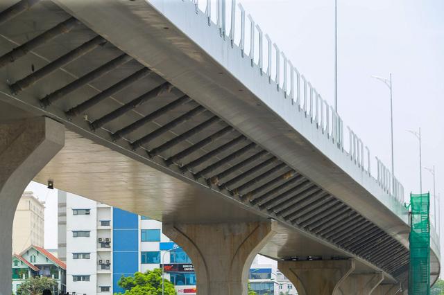 Cận cảnh đường vành đai 2 của Hà Nội sau 2 hơn năm thi công  - Ảnh 2.