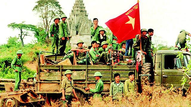 Chiến trường K: Những trận chiến kinh hồn ở gần Thái Lan - Nghẹt thở gỡ mìn KP2 chết chóc - Ảnh 4.