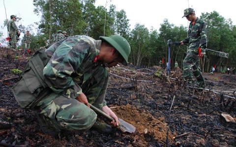 Chiến trường K: Quân tình nguyện VN bị bao vây ở sát Thái Lan - Nghẹt thở gỡ mìn KP2 chết chóc - Ảnh 4.