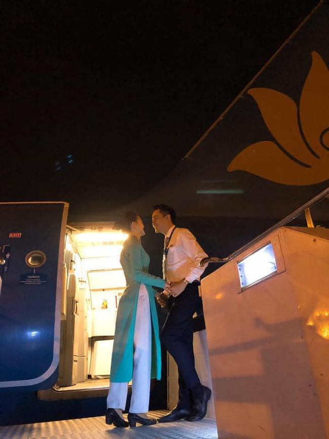Chết đứ đừ đồng nghiệp hạng thương gia, nam tiếp viên hàng không rước nàng về dinh sau màn cầu hôn ở Pháp - ảnh 8