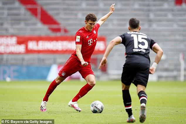 """Thắng """"5 sao"""" trước Dusseldorf, Bayern tạm thời bỏ xa Dortmund 10 điểm - Ảnh 1."""