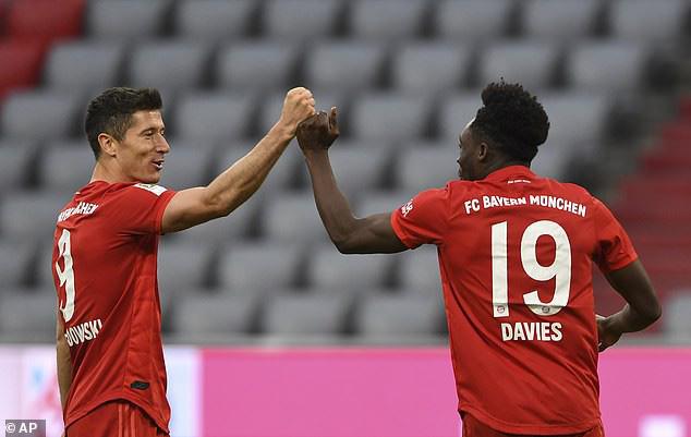 """Thắng """"5 sao"""" trước Dusseldorf, Bayern tạm thời bỏ xa Dortmund 10 điểm - Ảnh 2."""