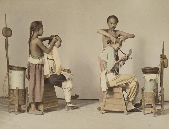 Loạt ảnh triều nhà Thanh nửa cuối thế kỷ 19: Khoảng cách giữa giới thượng lưu, trung lưu và bình dân khiến người xem phải ngỡ ngàng - Ảnh 1.