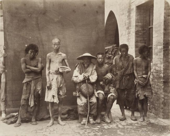 Loạt ảnh triều nhà Thanh nửa cuối thế kỷ 19: Khoảng cách giữa giới thượng lưu, trung lưu và bình dân khiến người xem phải ngỡ ngàng - Ảnh 12.