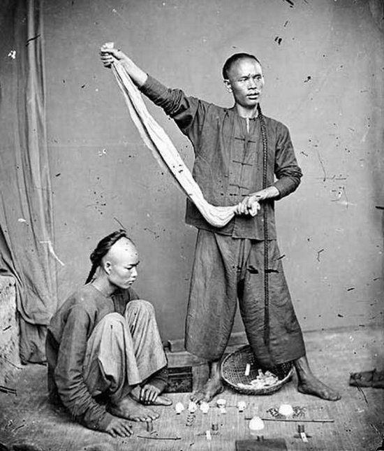 Loạt ảnh triều nhà Thanh nửa cuối thế kỷ 19: Khoảng cách giữa giới thượng lưu, trung lưu và bình dân khiến người xem phải ngỡ ngàng - Ảnh 13.
