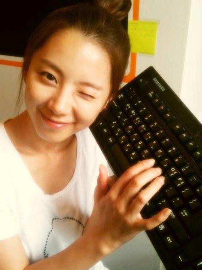 Netizen bình chọn 10 mỹ nhân Hàn mặt mộc đẹp nhất: Song Hye Kyo và dàn diễn viên chịu thua 2 nữ idol, No.1 gây sốc vì % thắng quá khủng - Ảnh 6.
