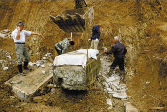 Thi hài tân nương 5 tuổi được phát hiện trong mộ cổ với nhiều trang sức vàng, hé lộ giai đoạn lịch sử đầy thương tâm thời Trung Quốc cổ đại - Ảnh 1.