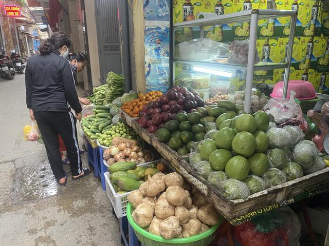 Giá rau, củ, quả giảm mạnh từ chợ cho đến siêu thị - Ảnh 1.