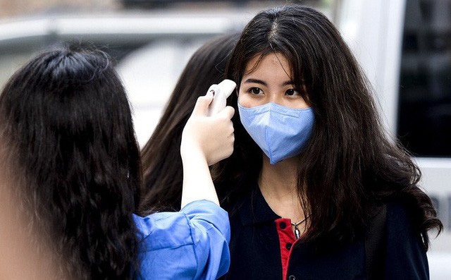 Doanh nghiệp nói gì khi Sở Y tế Quảng Nam đòi trả máy xét nghiệm?; Dịch COVID-19 tại Việt Nam sẽ kéo dài đến khi nào? - Ảnh 1.