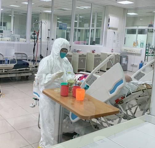 Bệnh nhân ở Hà Nam tử vong vì xơ gan giai đoạn cuối, không phải vì COVID-19; Doanh nghiệp nói gì khi Sở Y tế Quảng Nam đòi trả máy xét nghiệm? - Ảnh 1.