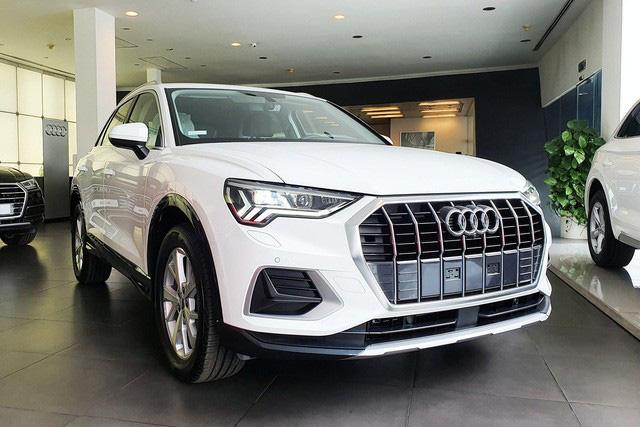 Không nằm yên như xe phổ thông, Mercedes-Benz, BMW và Audi ganh đua gay gắt tại Việt Nam: Sẵn hàng nhiều xe mới, 'option' ngày càng xịn, mặt bằng giá giảm sâu  - Ảnh 3.