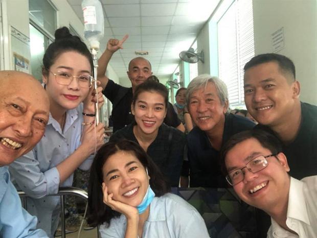 Khoảnh khắc cố diễn viên Lê Bình và Mai Phương 5 năm trước được chia sẻ lại: Họ đều đã ra đi vì ung thư phổi, nhìn nụ cười mà xót xa - Ảnh 4.