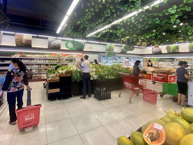 Giá rau, củ, quả giảm mạnh từ chợ cho đến siêu thị - Ảnh 3.