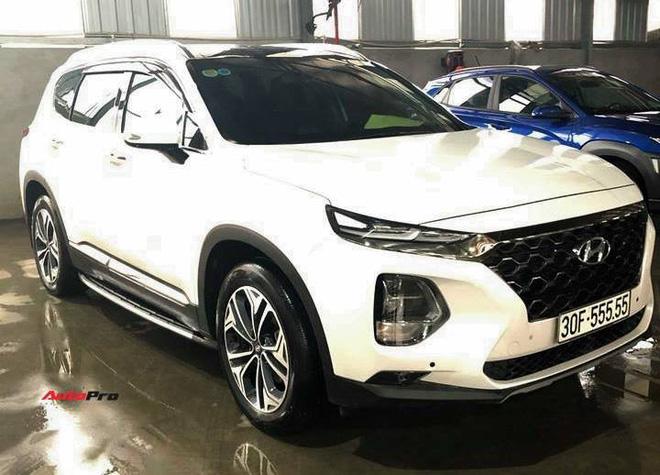 Hạ giá 700 triệu sau hơn một năm, Hyundai Santa Fe biển ngũ quý 5 tại Hà Nội vẫn đắt hơn Mercedes-Benz GLC 200 mới tinh - Ảnh 3.