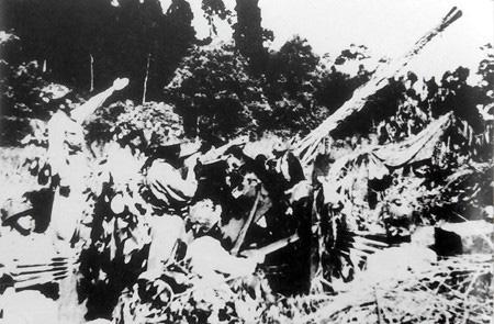 Pháo cao xạ - điều bất ngờ với quân Pháp tại Điện Biên Phủ - Ảnh 1.