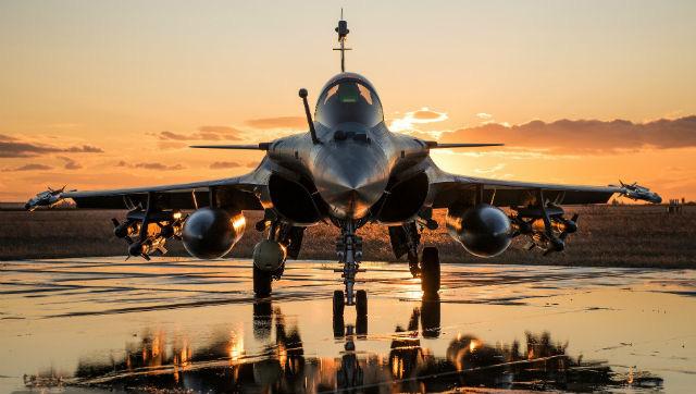 Bỏ MiG-35 Nga, Ấn Độ tưởng bở với Rafale Pháp, ai ngờ như bị lừa: Thêm cú đấm bồi đau đớn - Ảnh 1.