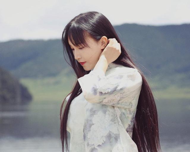 Vlogger Trung Quốc khai phá con đường mới: Thánh ăn công sở độc đáo với cách nấu riêng biệt, Tiên nữ đồng quê thu nhập hàng chục tỷ đồng mỗi năm - Ảnh 3.