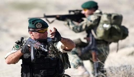 TT Trump vừa ra quyết định gây choáng về quyền dùng sức mạnh quân sự tấn công Iran - Hé lộ sứ mệnh đặc biệt của Vệ binh Quốc gia Nga ở Syria - Ảnh 1.