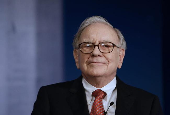 Tỷ phú Warren Buffett gợi ý 2 cuốn sách giúp dân công sở vững tin vào tương lai, vượt qua khủng hoảng Covid-19 - Ảnh 1.