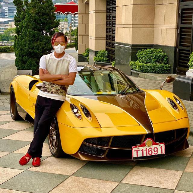 Xôn xao tin tỷ phú xấu trai nhất Hong Kong làm ăn thất bát khiến vợ siêu mẫu toan ruồng bỏ, nhìn sang trang cá nhân lại hoàn toàn khác - Ảnh 24.