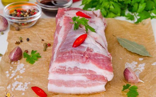 Thịt lợn nhập khẩu rao bán tràn lan trên chợ mạng, giá loạn - Ảnh 4.