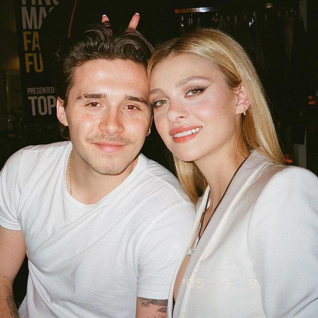 Không chỉ đăng ảnh tình tứ cùng cậu cả nhà Beckham, cô nàng diễn viên xinh đẹp lại còn biết nịnh mẹ bạn trai bằng cách tinh tế như thế này đây - Ảnh 5.