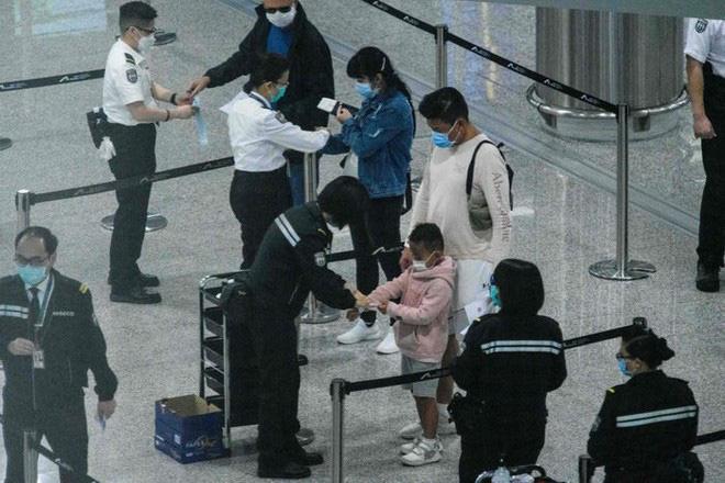 Đây là thiết bị công nghệ ai đến Hong Kong cũng đều phải đeo, nếu vi phạm sẽ bị phạt tù 6 tháng - Ảnh 7.