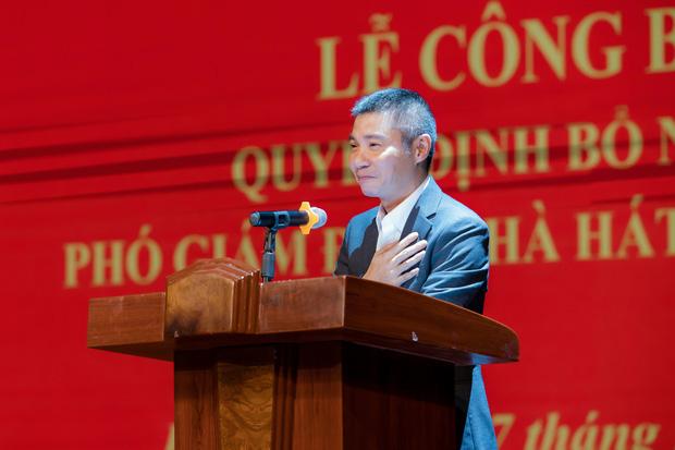 NSND Công Lý nhậm chức Phó Giám Đốc Nhà hát Kịch Hà Nội, MC Thảo Vân liền có hành động chứng minh mối quan hệ với chồng cũ - Ảnh 1.