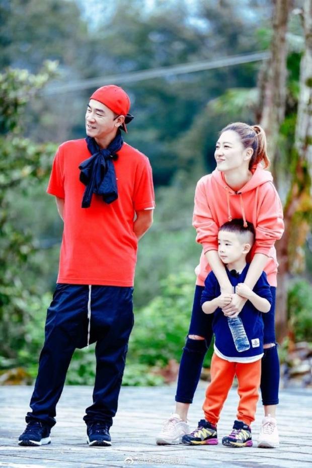 Cuộc sống hiện tại của Vi Tiểu Bảo: Gia sản trăm tỷ, vợ Á hậu, nhưng luôn day dứt vì xui bố mẹ bán em trai lấy 10 triệu - Ảnh 5.