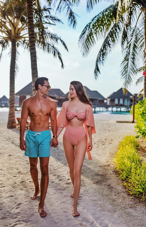 Hồ Ngọc Hà tung ảnh bikini nóng bỏng, tình tứ bên Kim Lý - Ảnh 9.