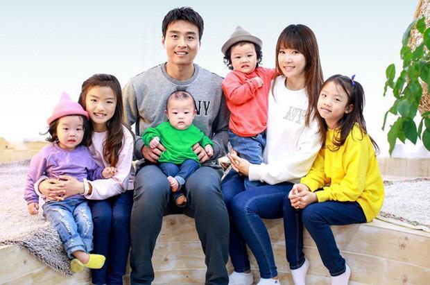 Giải VĐQG Hàn Quốc trở lại, mạnh dạn phát sóng toàn cầu và phản ứng bất ngờ từ fan quốc tế khi ông bố nổi tiếng của The Return Of Superman ghi bàn - Ảnh 3.