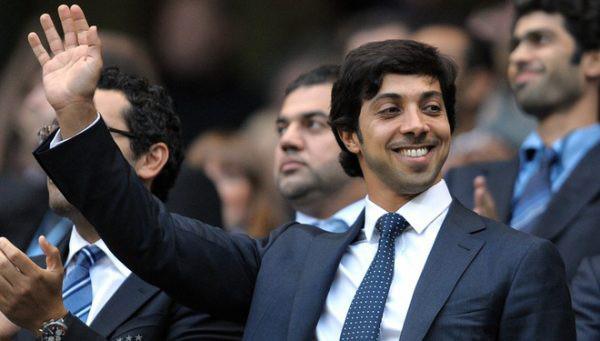 5 ông chủ giàu có nhất Premier League: Thái tử Saudi Arabia nhảy vào cuộc đua - Ảnh 6.