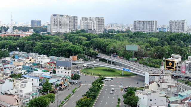 Chung cư trăm hoa đua nở dọc đại lộ đẹp nhất Sài Gòn - Ảnh 1.