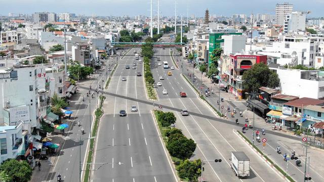 Chung cư trăm hoa đua nở dọc đại lộ đẹp nhất Sài Gòn - Ảnh 5.