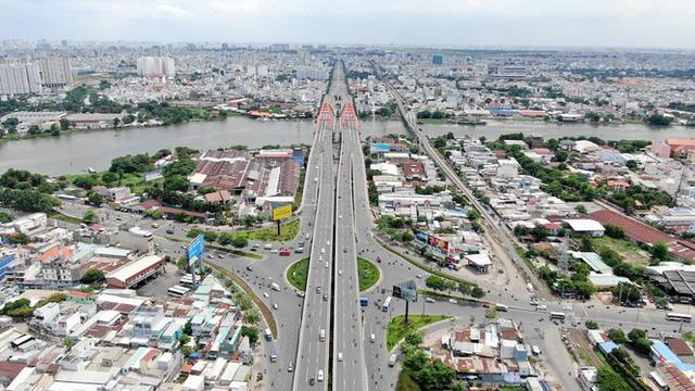 Chung cư trăm hoa đua nở dọc đại lộ đẹp nhất Sài Gòn - Ảnh 7.