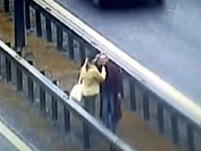 Vụ tai nạn của 2 chị em trên đường cao tốc gây ra bởi căn bệnh tâm thần khiến người này lây cho người kia hành vi tự tử, vừa giết người vừa hại mình - Ảnh 4.