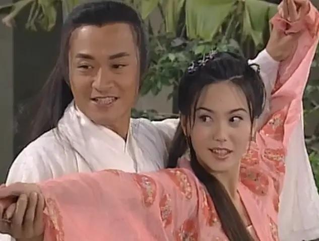 Trương Vô Kỵ nổi tiếng: U60 tuột dốc, già nua, phải đi hát đám cưới kiếm sống - Ảnh 3.
