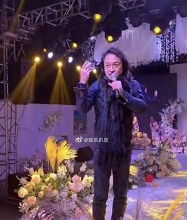 Trương Vô Kỵ nổi tiếng: U60 tuột dốc, già nua, phải đi hát đám cưới kiếm sống - Ảnh 8.