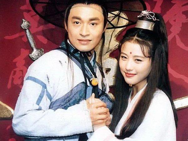 Trương Vô Kỵ nổi tiếng: U60 tuột dốc, già nua, phải đi hát đám cưới kiếm sống - Ảnh 1.