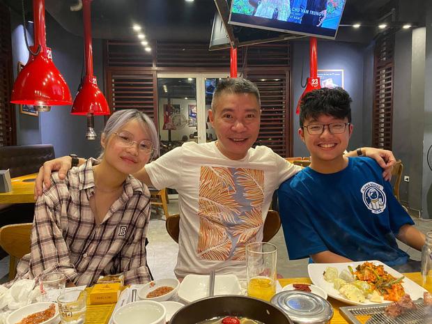 Bạn gái kém 15 tuổi selfie vui vẻ bên con riêng của Công Lý, vợ cũ MC Thảo Vân liền có bình luận hé lộ mối quan hệ - Ảnh 1.