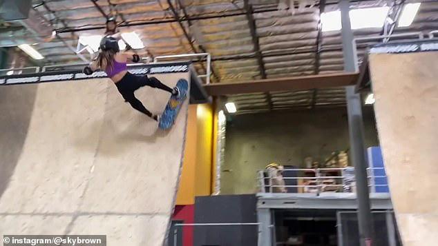 Thần đồng trượt ván 11 tuổi bị nứt hộp sọ, may mắn sống sót sau cú ngã kinh hoàng trong lúc tập luyện - Ảnh 2.