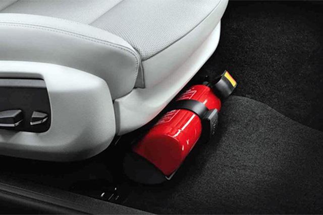 Không tốn mấy tiền nhưng đây là những thứ nên mua để bảo vệ xe ô tô của bạn trong những ngày nắng nóng - Ảnh 9.