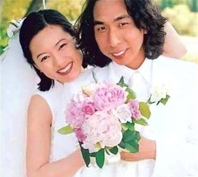 Nữ thần phim nóng Hong Kong: Lấy chồng xấu xí, đau đớn vì luôn bị người ta ruồng bỏ - Ảnh 6.