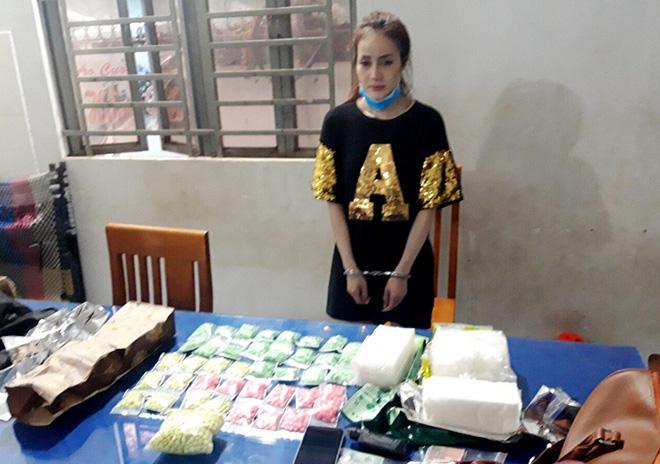 Hotgirl 9X đeo ba lô ma túy từ Campuchia về Việt Nam - Ảnh 1.